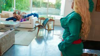 Blair Williams, Alura Jenson - Stepmoms Little Helper