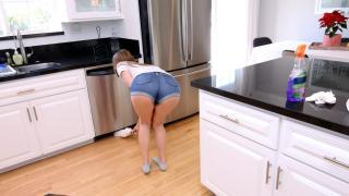 Jill Kassidy - Step Sister Swallows
