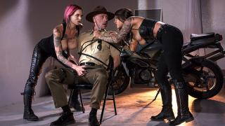 Anna Bell Peaks, Felicity Feline - Bloodthirsty Biker Babes: Part 3