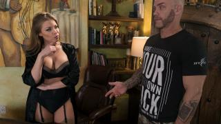 Britney Amber - The Critic