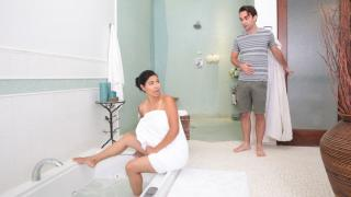 Dana Vespoli - Bath Time With Stepmom