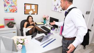 Isabella Nice - Naughty Office