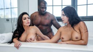 Lela Star, Rose Monroe - Thick And Wet