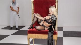 Nikki Delano - Capture The Queen