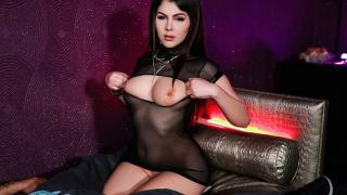 Valentina Nappi - Confident And Curvy