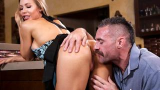 Nicole Aniston - Nicole Aniston Fucks Her Son's Coach