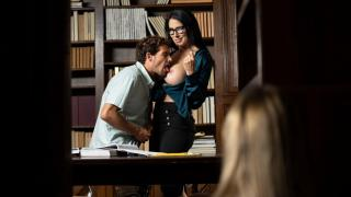 Reagan Foxx, Mackenzie Moss - Whispers In The Library