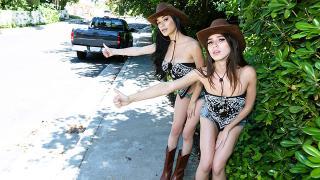 Gianna Gem, Savannah Sixx - Getting Groovy Down South