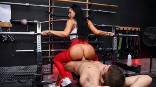 Romi Rain - Spotting Her Ass