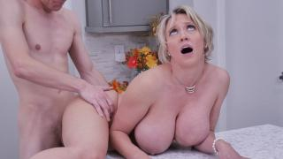 Dee Williams - Stuffing Her Thanksgiving Pussy