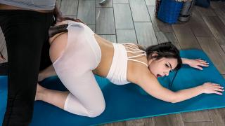 Valentina Nappi - Stretch That Ass Out