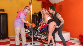 Isabelle Deltore - Wimpy Husband Doesn't Deserve To Rev Up This Pussy