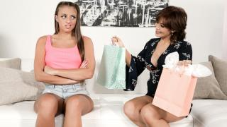 Gia Derza, Ryder Skye - Cant Buy Her Love