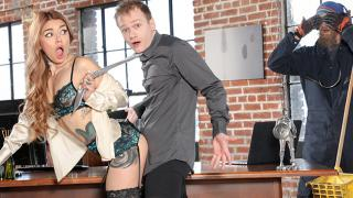 Vanessa Vega - Getting A Hot Delivery From The Office Mail Stud