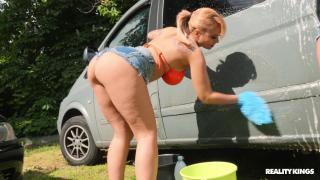 Dominno, Jordi El Nino Polla - Full Service Car Wash