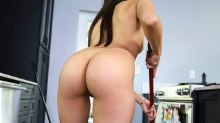 Penelope Woods - Maid With Benefits